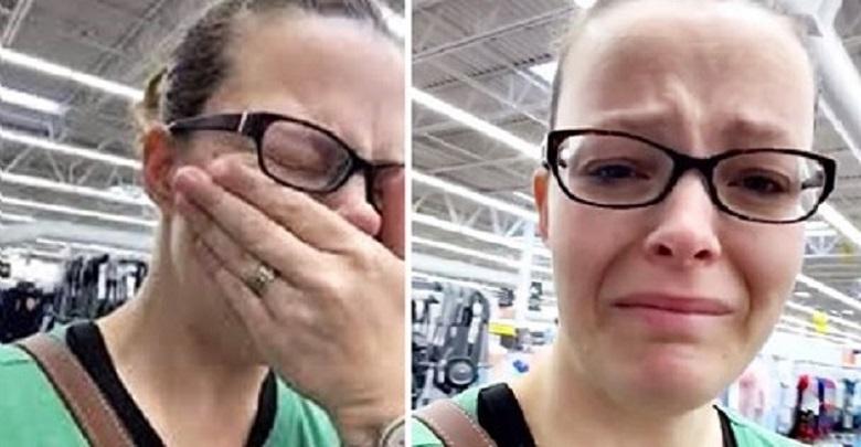 Non ha i soldi per fare la spesa, mamma scoppia in lacrime al supermercato