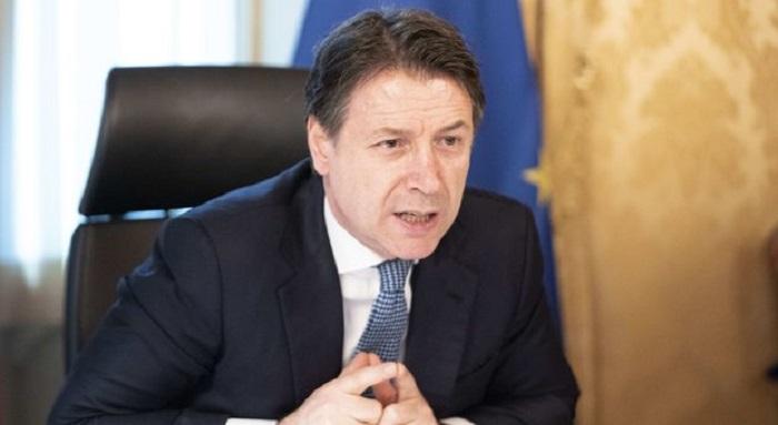 Coronavirus: Conte sbatte i pugni contro l'Europa e rifiuta gli aiuti all'Italia