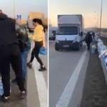 Lasciano del cibo lungo le strade per i camionisti che non sanno dove mangiare