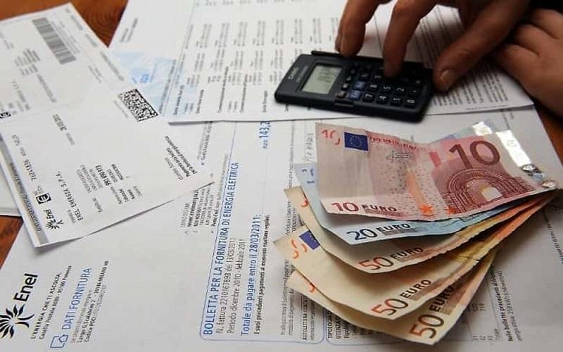 Covid-19, aumento di 450 euro in busta paga: ecco i lavoratori a cui spettano